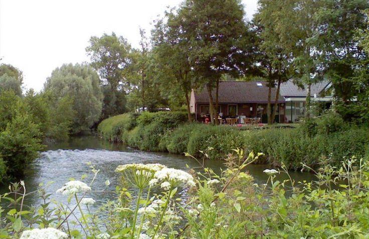 De Gronselenput is een kleinschalige charmecamping en glamping in Limburg, Nederland. Overnacht met het hele gezin in een ruime safaritent. Boek direct bij de aanbieder!