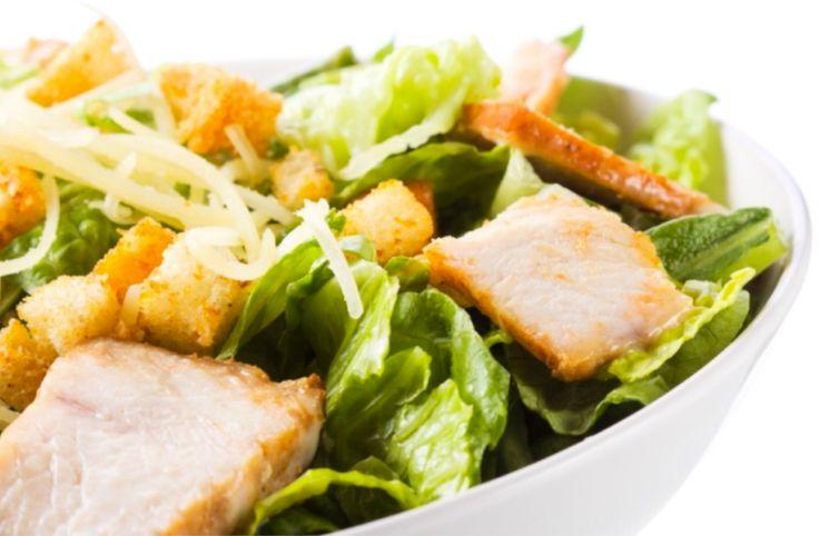 Receta de ensalada César de pollo