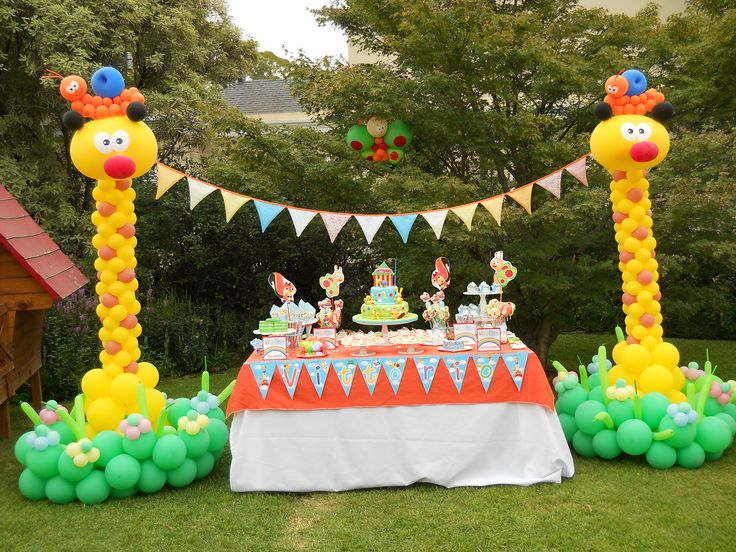 this is the party forsure ashton LOVES baby tv!!!!!!!!!BabyTV ballon towers