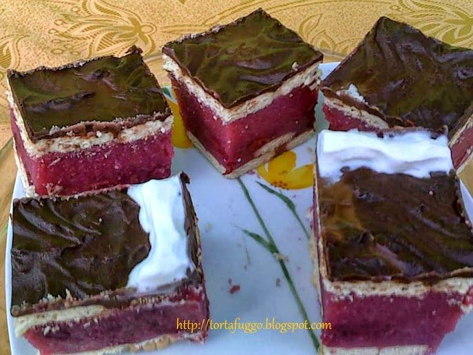 Tortafüggő Marisz: Meggyes kekszes sütés nélkül
