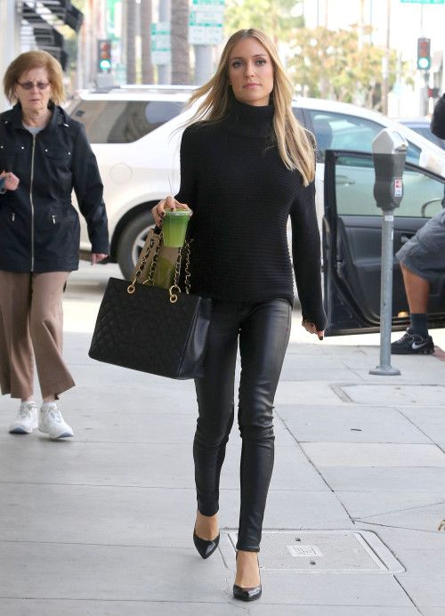 Kristin Cavallari with Chanel jumbo bag. $259+FREE shipping+on-line payment. contact for more information
