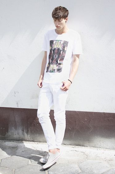 Get this look: http://lb.nu/look/5059296  More looks by Paweł  Lewandowski: http://lb.nu/xgrowupx  Items in this look:  Flowers T Shirt   #totallook #white #minimalism
