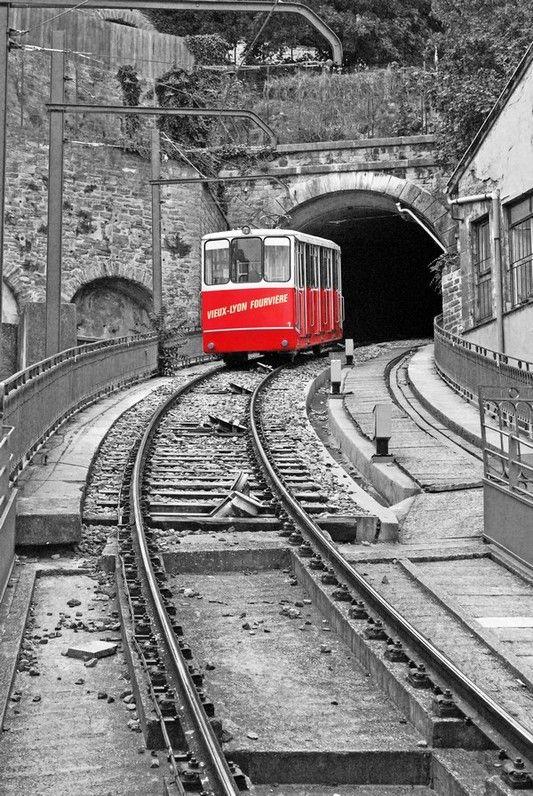 Lyon, Rhône-Alpes, Funiculaire réseau TCL depuis 6/10/1900. F2 Vieux Lyon <> Fourvière