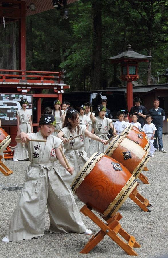 Japanese Taiko drums 太鼓 I loved watching them pound these drums talk about a drum circle!
