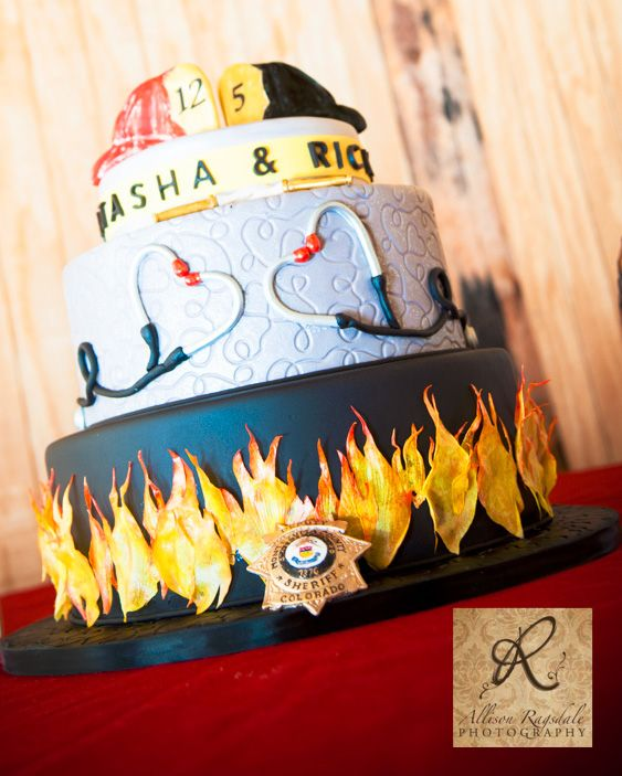 Firefighter/EMT Wedding Cake | Shared by LION (Thanks for sharing your beautiful cake with us @naspromonte)
