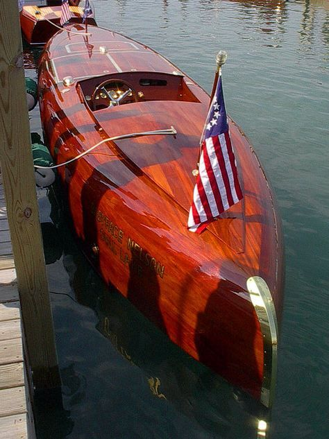 Babyface Nelson is a wood boat replica of the George Crouch designed gold cup racer. The lines were drawn in 1923 and Baby Bootlegger was constructed by Nivens of New York in 1924