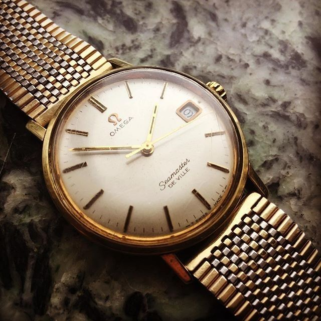 REPOST!!!  regram @watch_out_for_sale I hate the bracelet but I love(!) the watch! This original and stunning Omega Seamaster De Ville is for SALE! #vintageomega #vintagestore #omega #omegaforsale #vintagewatchesforsale #omegaseamaster #omegaseamasterdeville #deville #de #ville #hodinkee #klocksnack #klokkeriet #tillsalu #watchfreak #klokke #klokketrend #vintageshop #vintagefashion #adoreable #love #loveandhate #tillsalu #buyawatch #watchporn #watchout #watchaddict #watchesofinstagram…