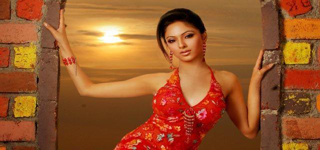 Nikesha Patel's New Avatar In Guntur Talkies 2
