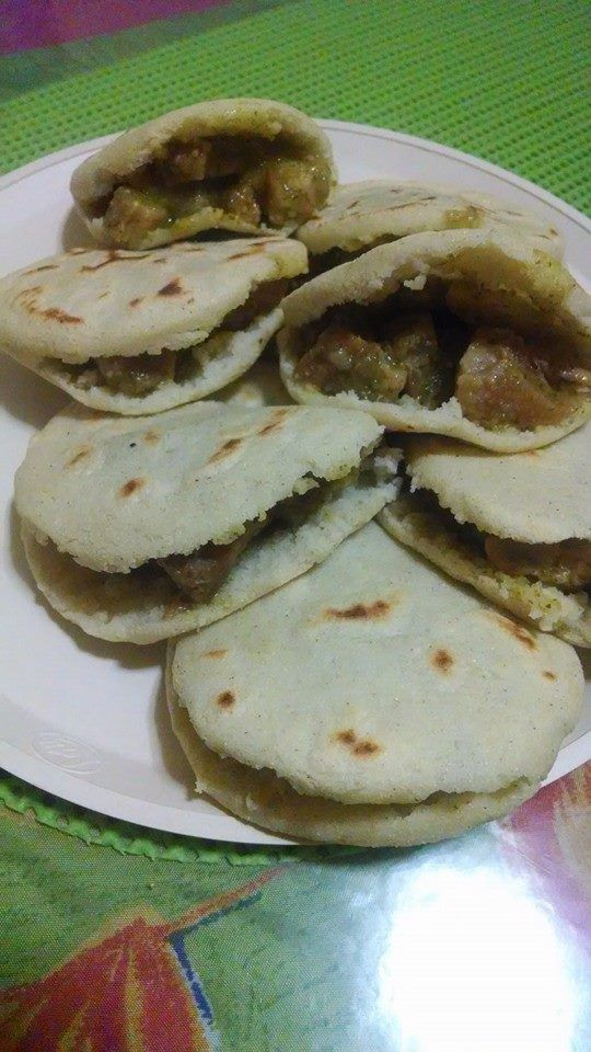 images_GORDITAS DE CHICHARRON EN SALSA VERDE por July Rendon