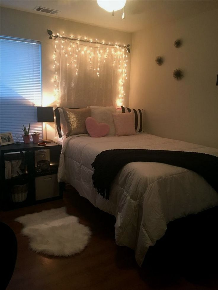 29 ways to use fairy lights and make your bedroom look magical 10 bedroom design dorm room on cute lights for bedroom decorating ideas id=34151