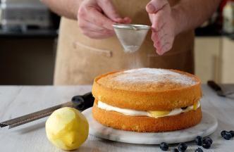 Lemon Victoria Sponge » Bake With Stork