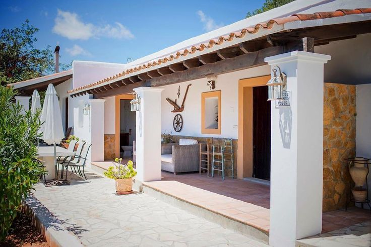 IBIZA HOLIDAY HOME - Villa Pearl ... Ibiza is famous for traditional fincas, and this is one of the oldest on the island. MORE PHOTOS HERE https://www.gvibiza.com/pearl/