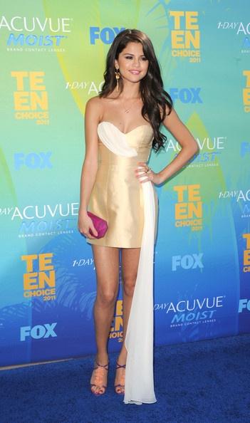 2011 Teen Choice Awards - ArrivalsSelena Gomez, Celebrities Style, De Selena, Teen Choice Awards, Selena Gomez, Blue Carpets, Hair Style, Royal Blue, Dresses 2011