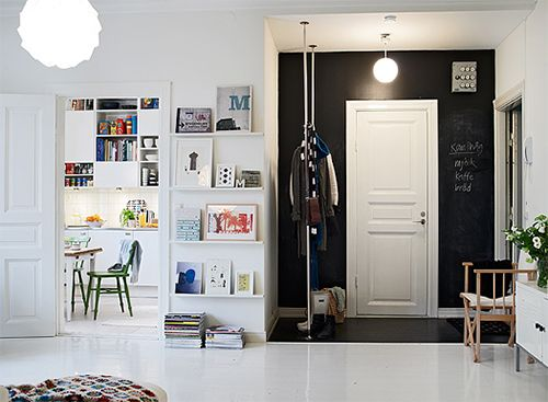 Chalkboard entry - notes coming, notes going: The Doors, Coats Racks, Interiors, Chalkboards Paintings, Chalk Boards, Front Doors, Blackboard Paintings, Chalkboards Wall, Black Wall