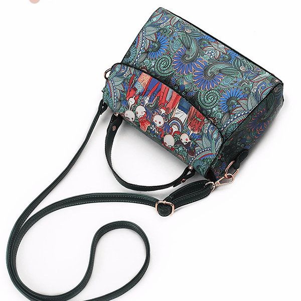 Item Type:Crossbody Bag Material:PU Leather  Lining:Polyester lining Weight:200g Pattern:Solid Closure:Zipper Color:Green Inner Pocket:Main Pocket,Zipper Pocket,Phone Pocket,Card Pocket