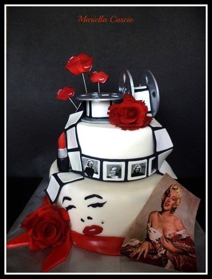 Maryline Monroe cake - by Mariella Cascio @ CakesDecor.com - cake decorating website