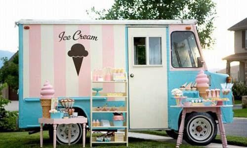 I carretto dei gelati!  The ice cream car!