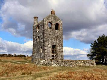 Oliver's Cornwall - Bodmin Moor Walks this is west wheal pheonix at minnions, this engine house is now a small museum and information centre
