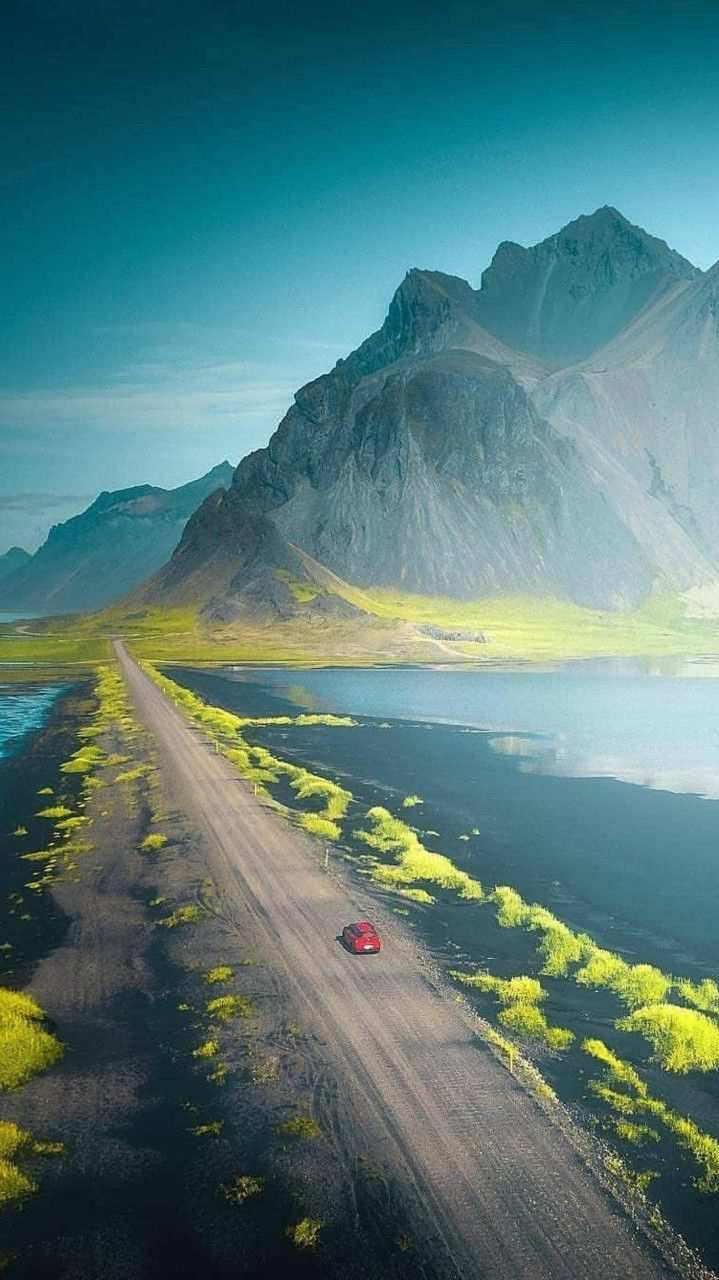 Nature Beautiful Mountains Green Valley Road Iphone Wallpaper