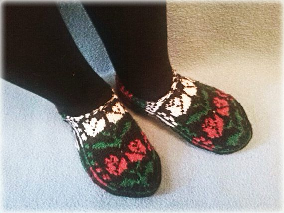Slippers with Rose Picture by WarmandCozyKnits on Etsy