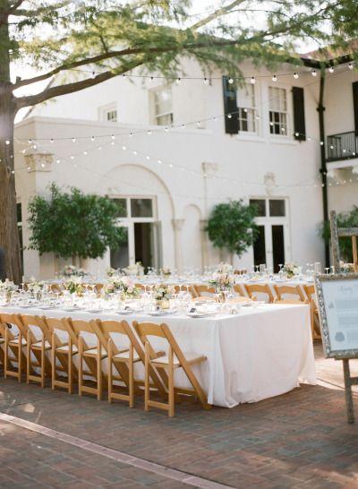 Al fresco wedding table: http://www.stylemepretty.com/little-black-book-blog/2015/01/08/hint-of-glamour-st-louis-wedding/   Photography: Lisa Hessel - http://lisahesselphotography.com/
