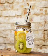 Bild: Ball Mason Jars kaufen Glasbehälter Smoothie Glas Drink to go Cup Vintage Edelstahl Strohhalm Detox Wasser mit Obst Saftglas, Cocktailglas gesund ökologisch nachhaltig schön Geschenk Sommer pint Jayoni's Jars