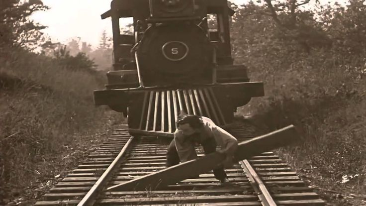 Buster Keaton - Clearing the railroad ties