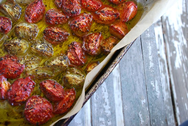 How to Make Tomato Confit, from my girl Amy @PoorGirlGourmet #food #latesummer: Poor Girls, Summer Food, Amy Poorgirlgourmet, Girls Generation, Confit Tomatoes, Girls Gourmet, Peel Tomatoes, Tiny Farmhouse, Poorgirlgourmet Food