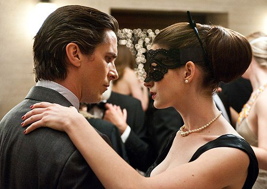 Bruce Wayne e Mulher-Gato. Casal fofo