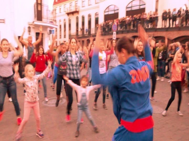 #пешеходка #верхнийгород #зумба #музыкальныйпереулок #немига #dance #fitness #беларусь #zumba #zumbaminsk #инструктор #nemiga minsk #summer #тренировка #belarus