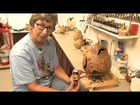 Decorative Gourd Art & Crafts Ideas : Tips for Painting on Gourds - Calabazas...YouTube Más
