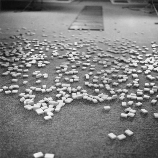 Éparpillement, Carl André, 1966