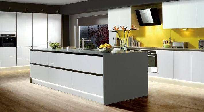 The Integra White Range. A sleek and simple modern design with all the impact of a high gloss finish. #stylish #kitchen #white #gloss