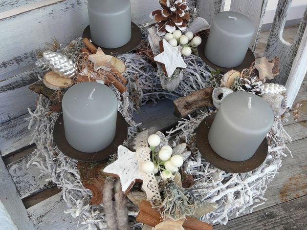 Adventskranz  grau braun weiß