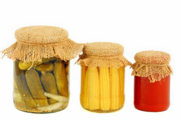Nyár végén, ősszel érnek a savanyúságnak való zöldségek. Sokan csak az almapaprikára, uborkára gondolnak ilyenkor, pedig számtalan más zöldséget is el tudunk tenni savanyúságnak. Ilyen például a kukorica is.
