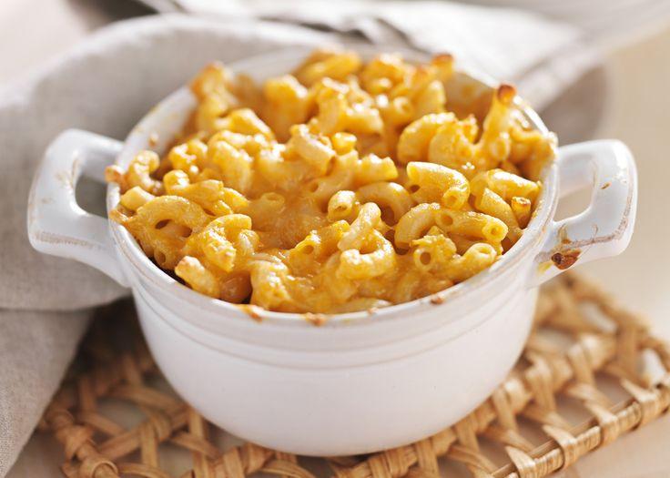 Lúcete con unos macarrones con queso, los clásicos mac and cheese americanos, caseros y deliciosos. ¡Verás como triunfas con este cremoso plato!