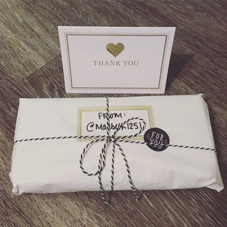 pretty poshmark packaging