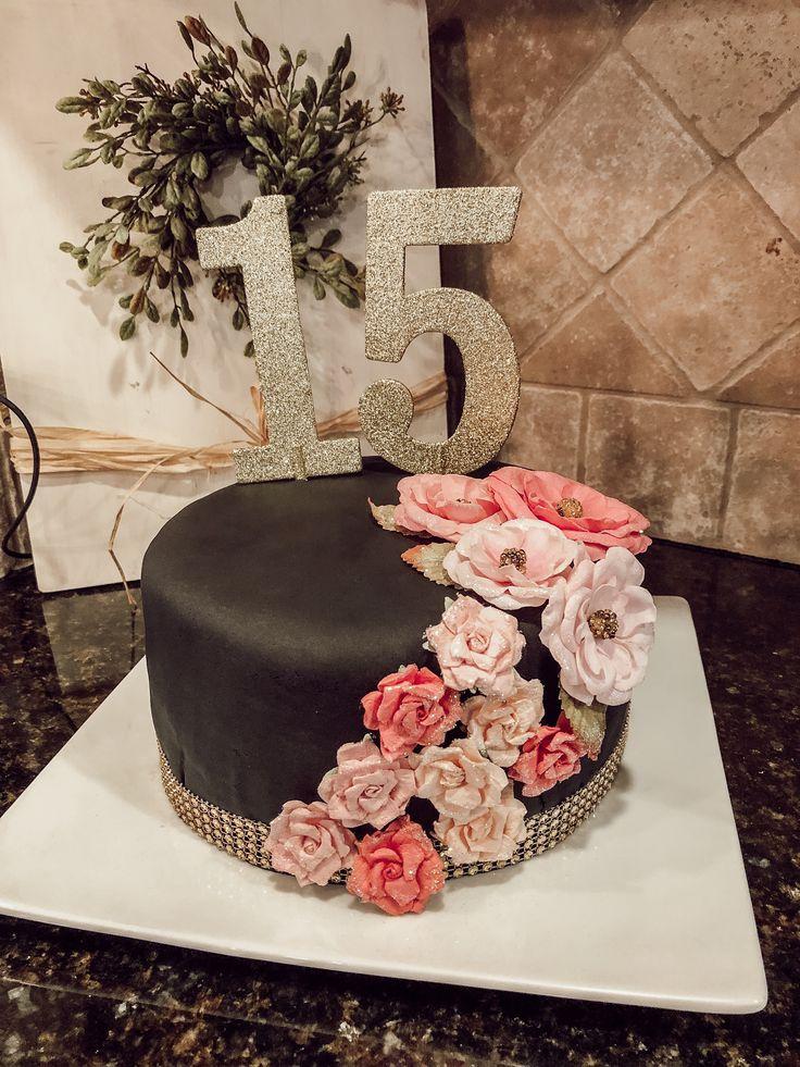 15 Year Old Girl Birthday Cake In 2019 Birthday Cake 15th Birthday Cakes Sweet 16 Birthday Cake