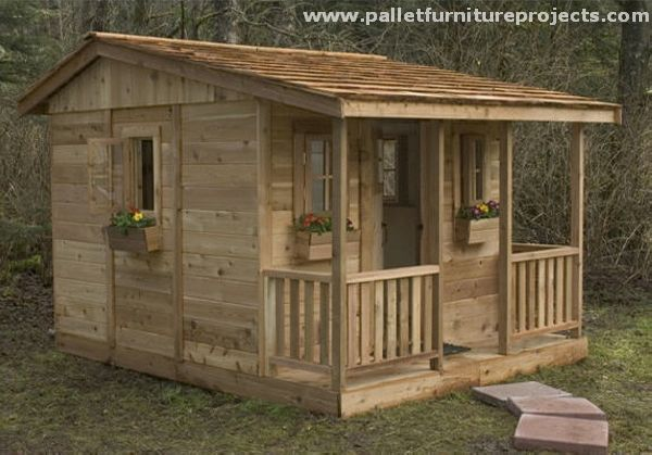 This is a source of some secrecy and privacy, sometimes when you feel like enjoying your loneliness. Here are some really cool and inspiring pallet garden shed huts that you might consider to be the one you intend to work on in future.