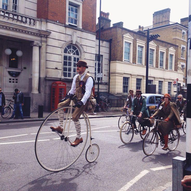 #NYU #London | The Tweed Run.