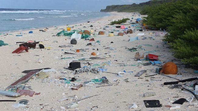Paradisön Henderson Island långt ute i Stilla havet visar sig vara en av de mest förorenade av plastskräp i hela världen. 38 miljoner plastrester har hittats på den obebodda ön – totalt 18 ton plast.  – Situationen är alarmerande, säger marinekologen Jennifer Lavers i Australien.