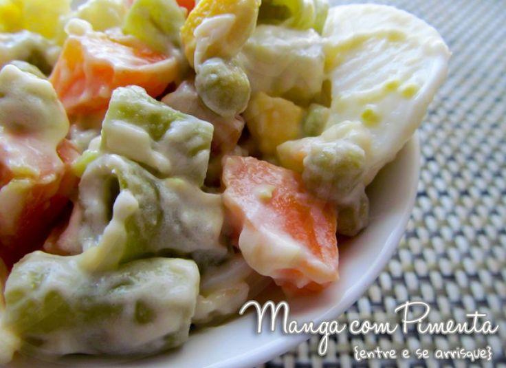 Salada de Maionese ou Salada Russa, para ver a receita clique na imagem para ir ao Manga com Pimenta.