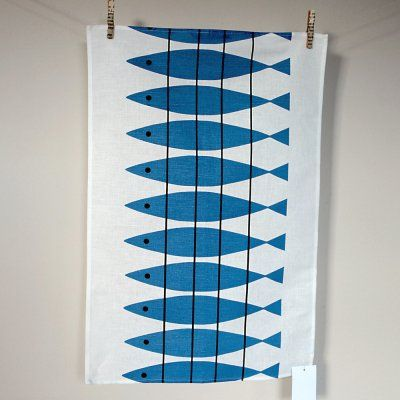 This lovely cotton/ linen tea towel is printed with an original vintage Scandinavian design by Marianne Nilsson, originally created in the 1950s and in production ever since.