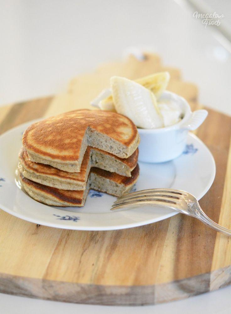 Ricotta « hotcakes » – IG bas – 130gr de ricotta 3 càs de lait d'amande 35gr de farine de sarrasin 25gr de poudre d'amande 25gr de farine d'épeautre complète 2 œufs (blancs et jaunes séparés) 2 càc de poudre à lever 2 càs de sucre de bouleau (xylitol)