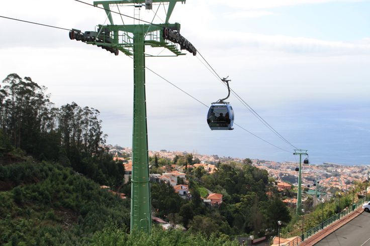 Teleférico que une Funchal con Monte. www.visitmadeira.pt