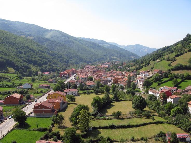 Felechosa, pueblo del municipio de Aller, #Asturias // Felechosa, village of Aller council, #Asturias