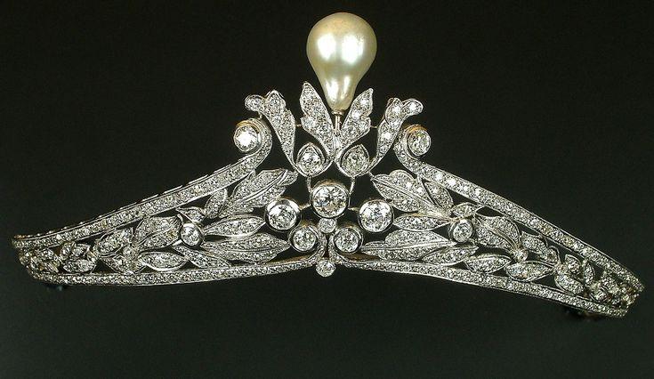 Pearl and diamond tiara