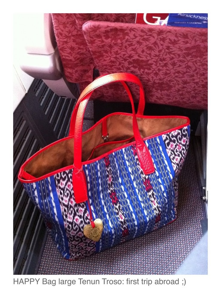 HAPPY Bag Large: Blue Tenun Troso & Red Cow Leather Croco Print (handweaved Troso is a village in Central Java)
