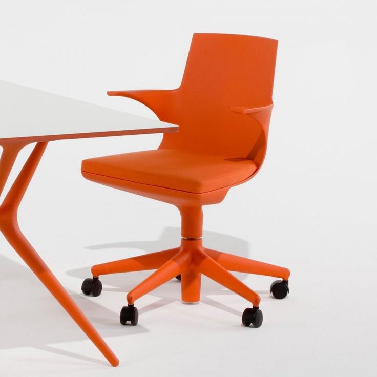 Sedia Spoon Chair by Kartell  http://www.keihome.it/tavoli-e-sedie/sedie/spoon-chair-kartell/1731/