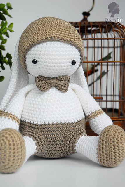 Crochet Patterns English : Amigurumi Bunny - FREE Crochet Pattern / Tutorial ( English and French ...